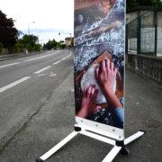 Esquiroule - panneaux de trottoir - avec deux Silent bloc - Doal concept enseignes et signalétiques en ligne