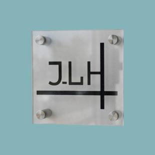 Plaque diamant pour entretoise murales - Doal concept enseignes et signalétiques en ligne